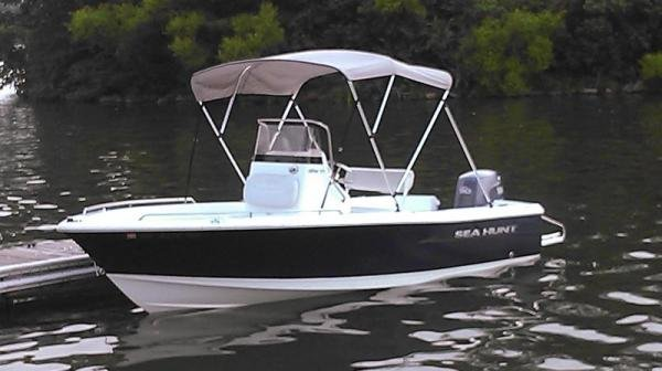Sea Hunt, 18', 90hp